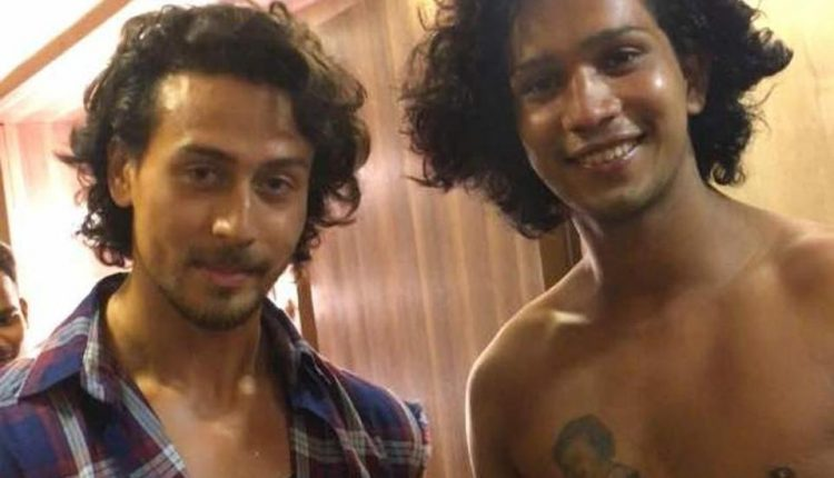 Tiger Shroff find one of his Biggest Fan in World-Fan given him the Biggest Tribute