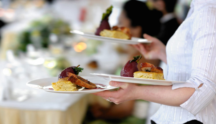 How to select caterer for hiring a wedding