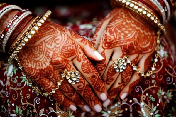 Things To Make Your Bridal Mehendi Dark And Long-Lasting